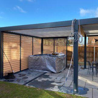 Lamellendach Aufbau im Garten - my-pergola24